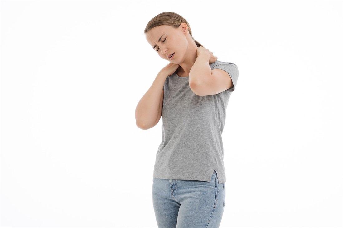 Τι να κάνετε για να διώξετε τον πόνο στον αυχένα