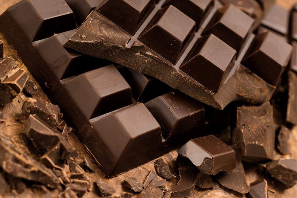 Λίγη μαύρη σοκολάτα την ημέρα κάνει καλό στην όραση!