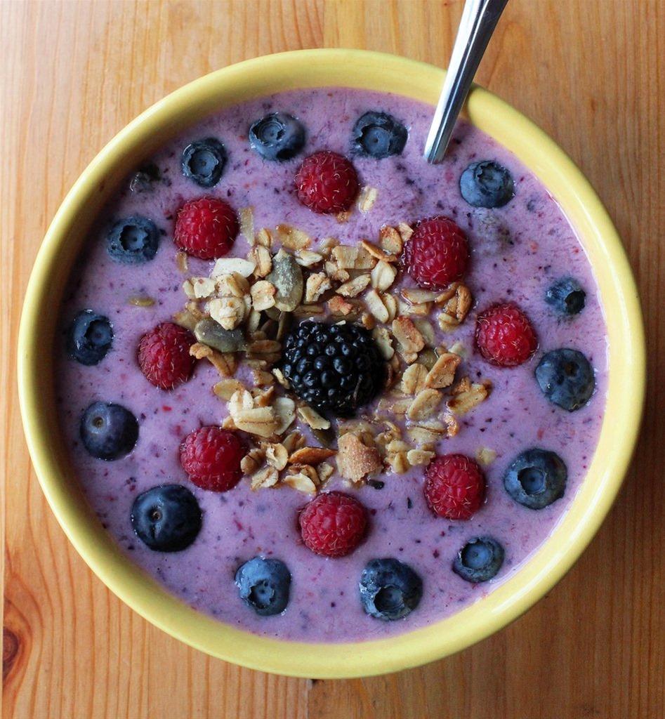 Πρωινό smoothies με μούρα