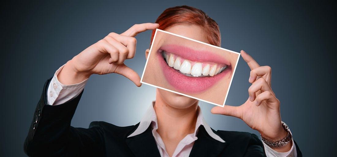Οδοντικό απόστημα: Τι να κάνετε στο σπίτι για να ανακουφιστείτε