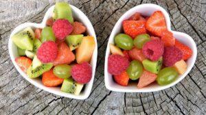 Σαλάτα με φρούτα και καρύδια