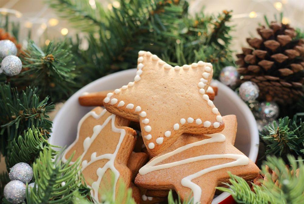Εορταστικές γλυκές απολαύσεις για να μην πάρετε ούτε γραμμάριο στις γιορτές