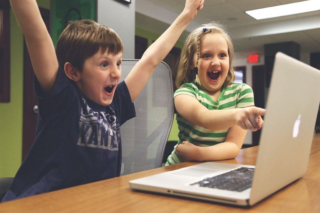 1 στα 2 παιδιά ρυθμίζει μόνο του τη διαδικτυακή του δραστηριότητα