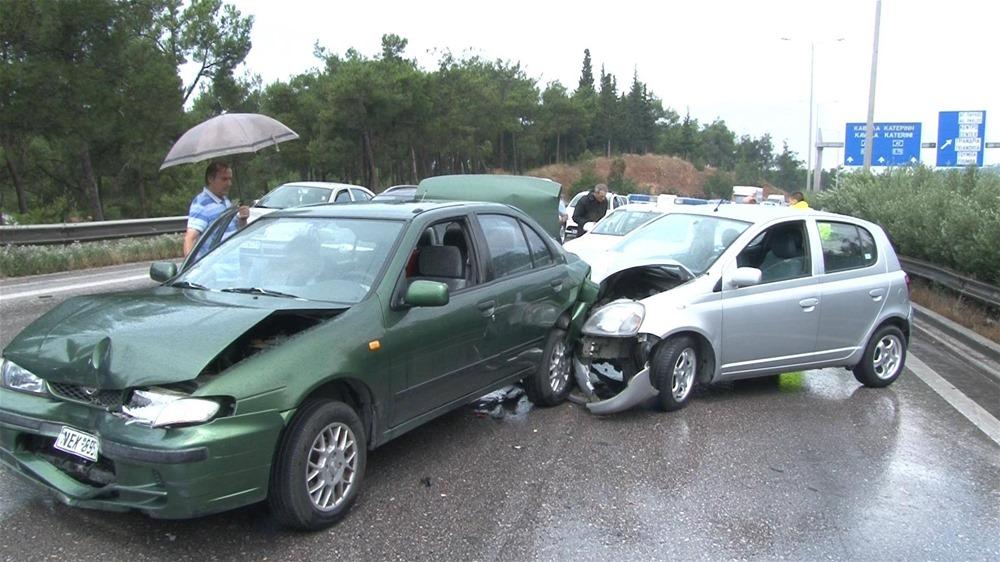 Θεσσαλονίκη: Καραμπόλα τριών αυτοκινήτων έξω από το Γαλλικό Ινστιτούτο