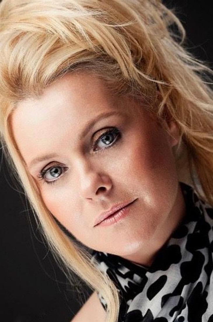 Η Άντα Τσεσμελή στην ThessNews για τους «Καθρέφτες»
