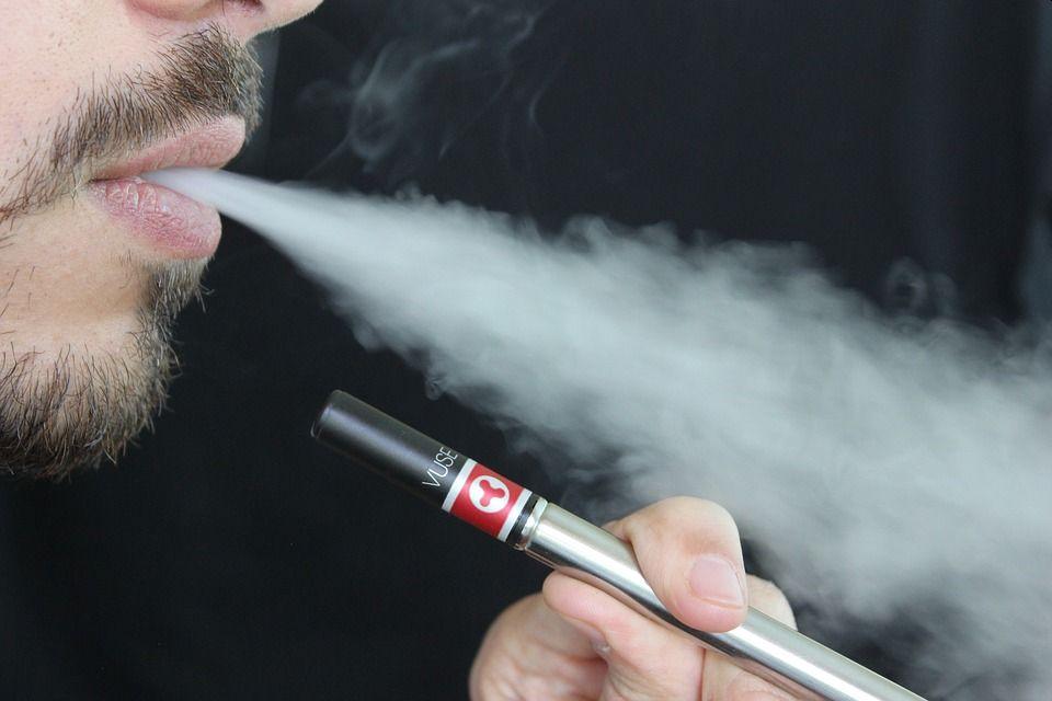 Προειδοποίηση ΠΟΥ για τον κίνδυνο του ηλεκτρονικού τσιγάρου