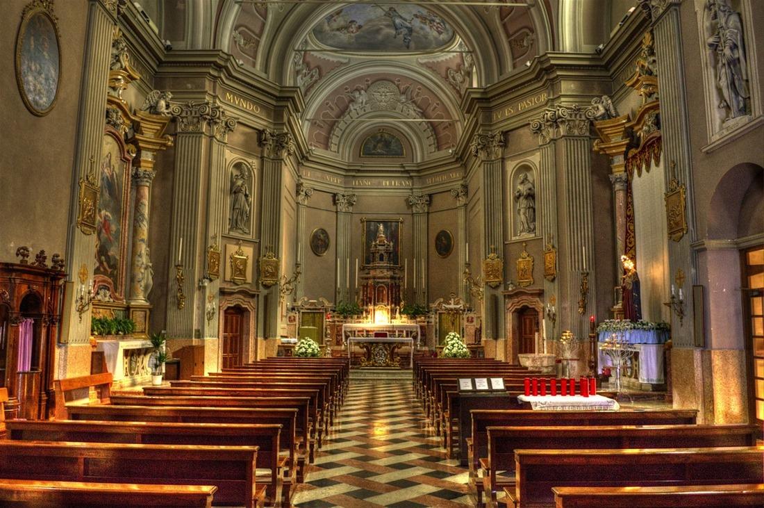 Λουθηρανός παπάς πραγματοποίησε το μυστήριο της βάπτισης για αλλαγή ονόματος σε διεμφυλικό άτομο