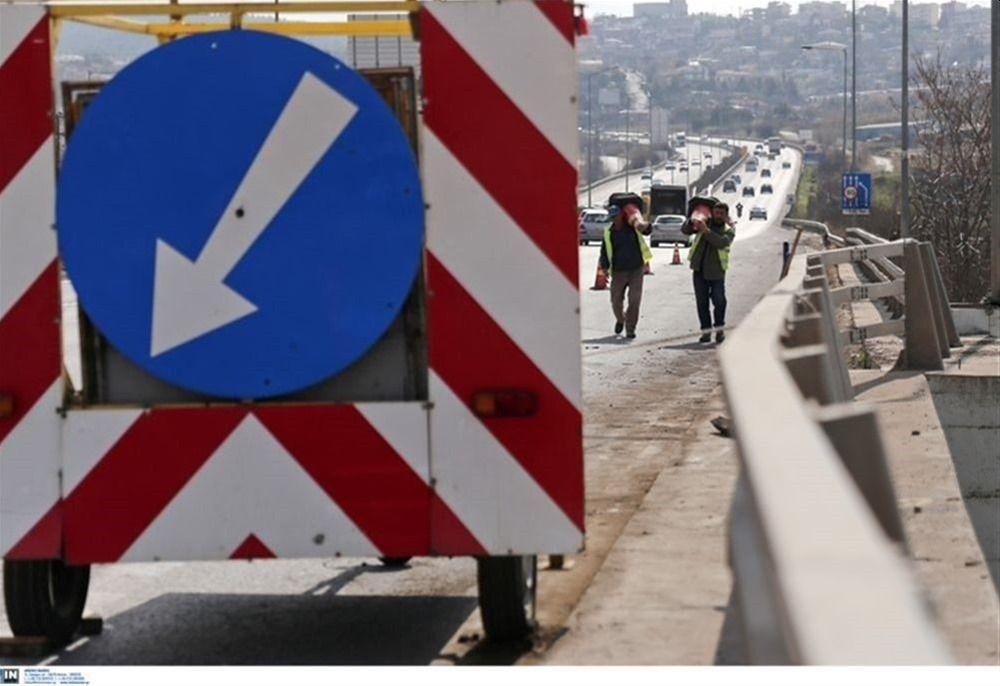 Εργασίες διαγράμμισης σε τέσσερα σημεία στην Περιφερειακή Οδό Θεσσαλονίκης