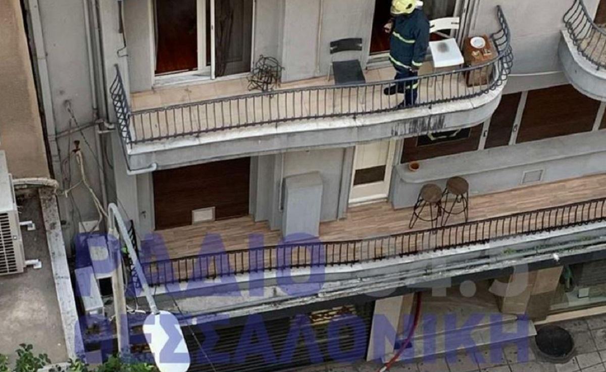 Φωτιά σε διαμέρισμα στο κέντρο της Θεσσαλονίκης (ΦΩΤΟ)