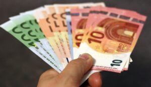Αυξήσεις για 134.000 συνταξιούχους ως τα τέλη του μήνα