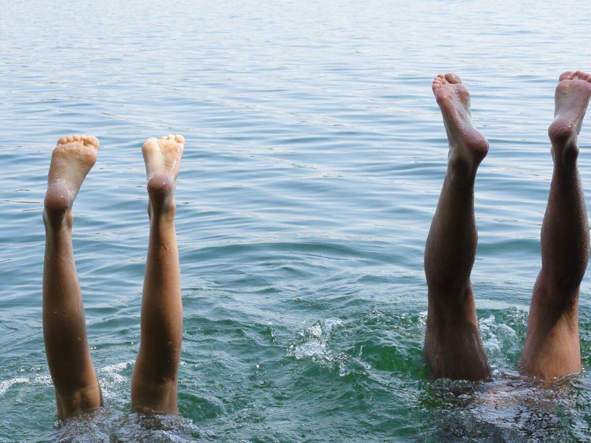 Σκασμένες φτέρνες το καλοκαίρι: Τι φταίει;