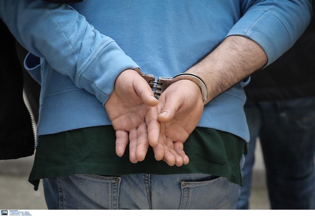 Θεσσαλονίκη: Πιάστηκαν «στα πράσα» να κάνουν αγοραπωλησία κάνναβης – Δύο συλλήψεις