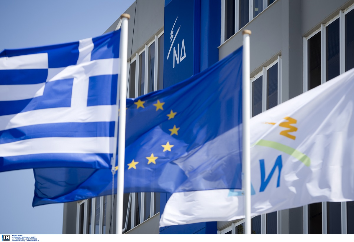 ΝΔ: Ο ΣΥΡΙΖΑ κλείνει το μάτι στους αντιεμβολιαστές