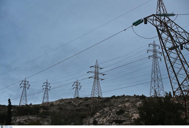 Καύσωνας: Ρεκόρ στην ζήτηση ηλεκτρικού ρεύματος – Κρίσιμες ώρες για τις αντοχές του συστήματος