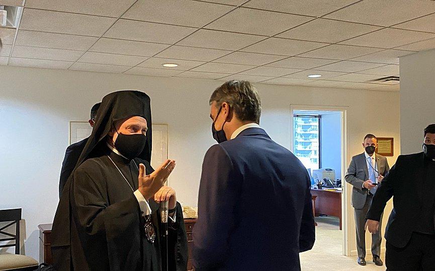 """Ολοκληρώθηκε η συνάντηση Μητσοτάκη – Ελπιδοφόρου – """"Κανένα θέμα"""" λέει ο Αρχιεπίσκοπος"""