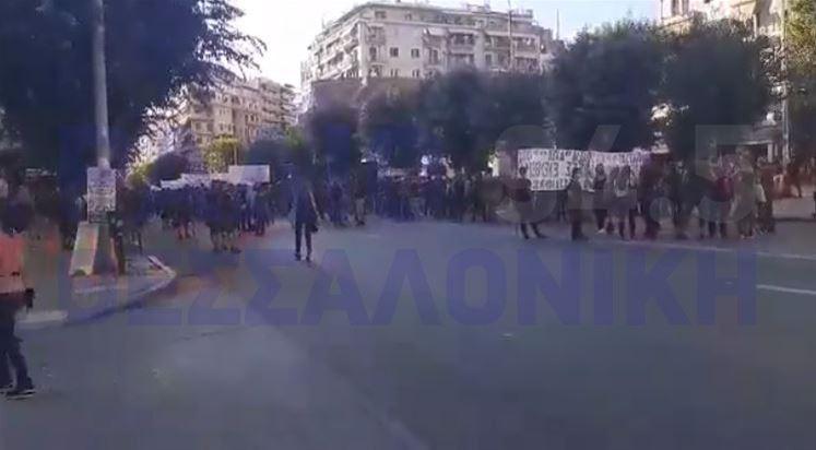 Διαμαρτυρία αντιεξουσιαστών στην Θεσσαλονίκη (VIDEO)