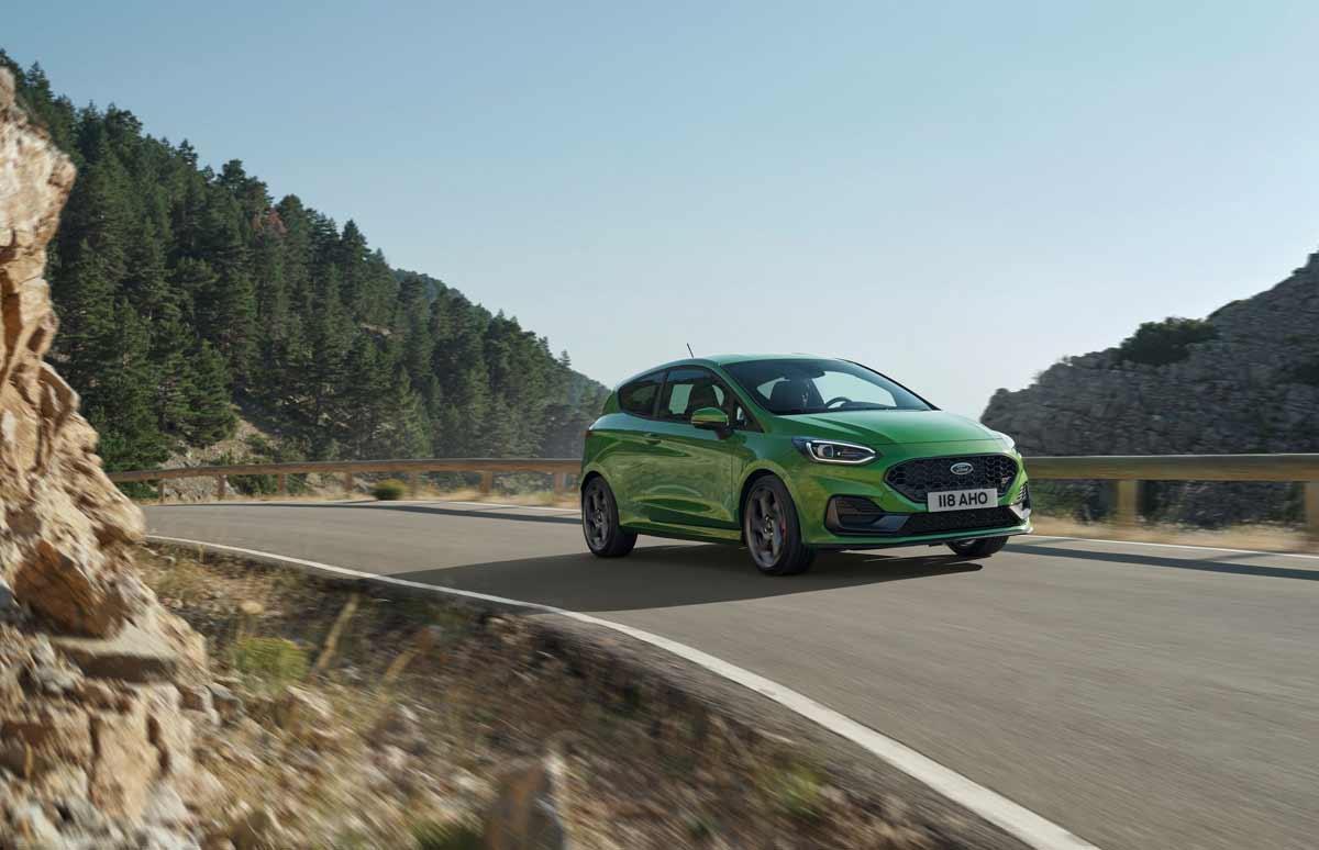 Η Ford αποκαλύπτει το συνδεδεμένο, εξηλεκτρισμένο και δυναμικό νέο Fiesta