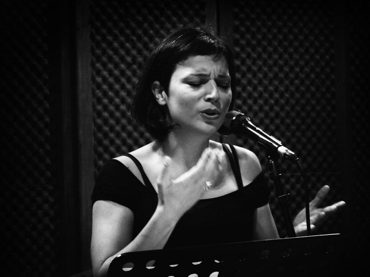Πολίχνη: Η Έλσα Μουρατίδου σήμερα (20/09) στο Ανοιχτό Θέατρο Κρύας Βρύσης «Τάσος Πεζιρκιανίδης»