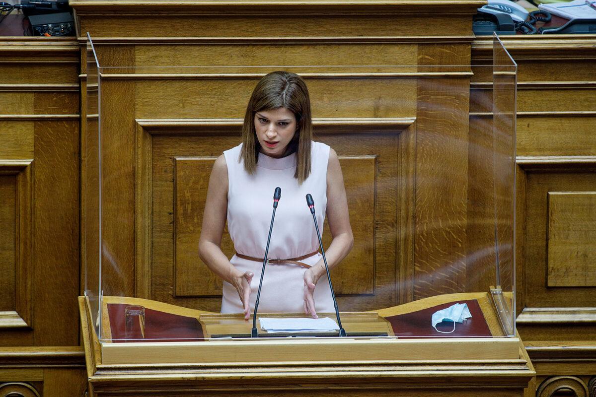 "Nοτοπούλου: ""Το 17ο Λύκειο Θεσσαλονίκης κινδυνεύει"""