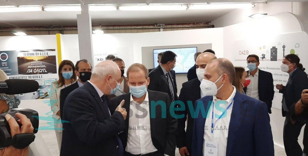ΟΑΣΘ: Το νέο ηλεκτρονικό εισιτήριο παρέλαβε ο Κ. Καραμανλής στην ΔΕΘ (ΦΩΤΟ)