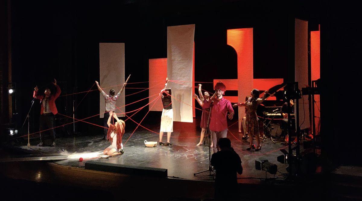 «Viral Thess»: Η παράσταση ενηλίκων από το Μικρό Βορρά στην Θεσσαλονίκη