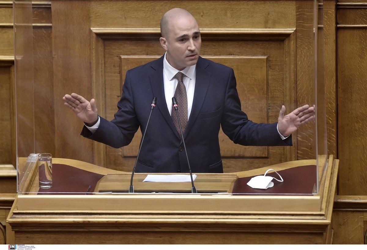"""Τη διαγραφή του Κ. Μπογδάνου ζητάει ο ΣΥΡΙΖΑ για τη δημοσίευση λίστας ονομάτων νηπίων – Η """"απολογία"""" του βουλευτή"""