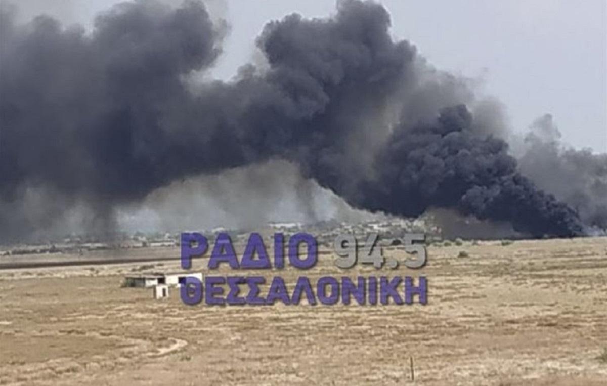 Περαία Θεσσαλονίκης: Φωτιά στα Τσαΐρια – Από χιλιόμετρα διακρίνονται οι φλόγες (VIDEO)