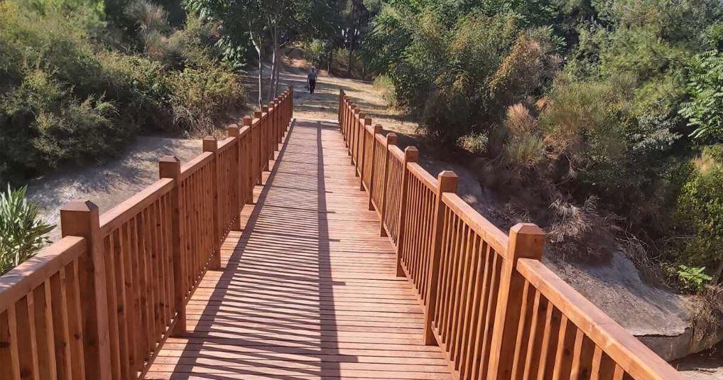 Αποκαταστάθηκε η ξύλινη πεζογέφυρα στο φράγμα Θέρμης (ΦΩΤΟ)