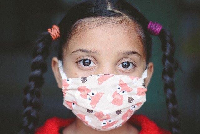 Κορωνοϊός: Το 29% κρουσμάτων της τελευταίας εβδομάδας ήταν σε παιδιά – εφήβους