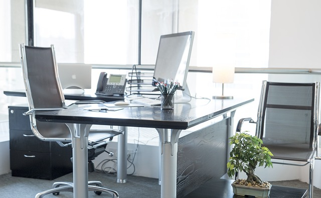 Πώς θα αποκτήσεις αυτοπεποίθηση στο γραφείο;