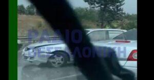 Θεσσαλονίκη: Πολλαπλή καραμπόλα αυτοκινήτων στη Μουδανιών πριν το Cosmos (ΒΙΝΤΕΟ)