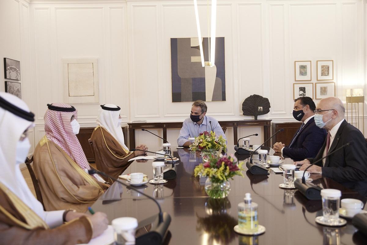 Συνάντηση Μητσοτάκη με τον Υπουργό Επενδύσεων της Σαουδικής Αραβίας
