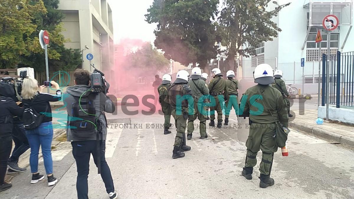 Oμάδες γυναικών Θεσσαλονίκης: Έξω οι φασίστες από τα σχολεία μας