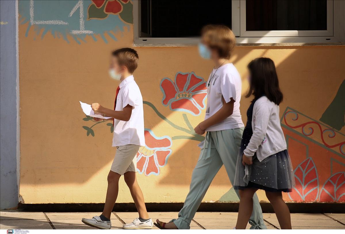 Θεσσαλονίκη: Περαιτέρω κρούσματα στο δημοτικό σχολείο Νεάπολης όπου έκλεισαν τμήματα