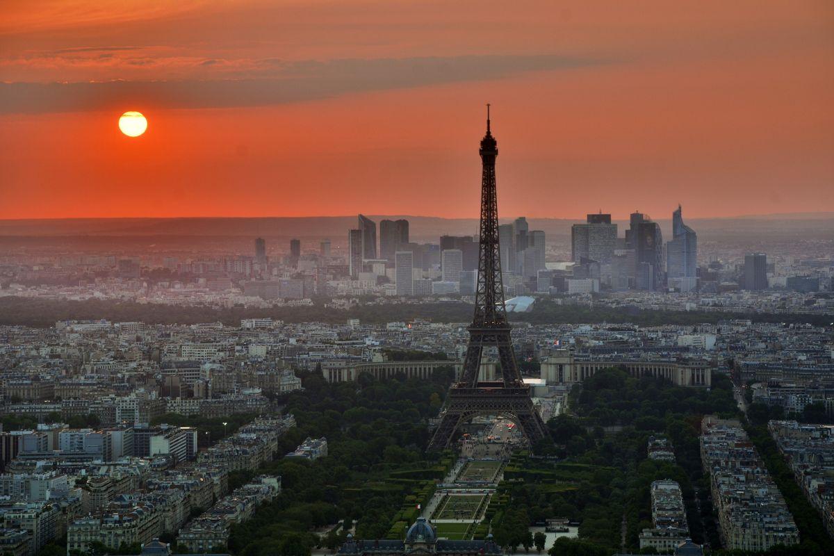 Υποψήφια για τη γαλλική Προεδρία η Δήμαρχος Παρισιού, Αν Ινταλγκό