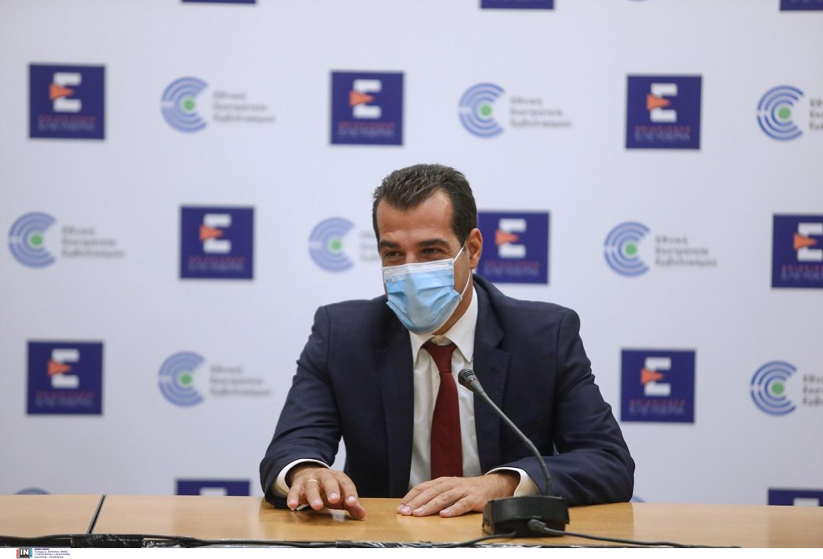 Θ.Πλεύρης: Xωρίς τοπικά lockdown- Πλήρης ελευθερία για τους εμβολιασμένους σε εστίαση και ψυχαγωγία