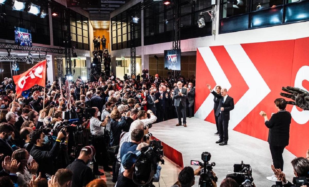 Γερμανικές εκλογές: Πρωτιά για το SPD – Ξεκινούν οι διαβουλεύσεις για το σχηματισμό κυβέρνησης