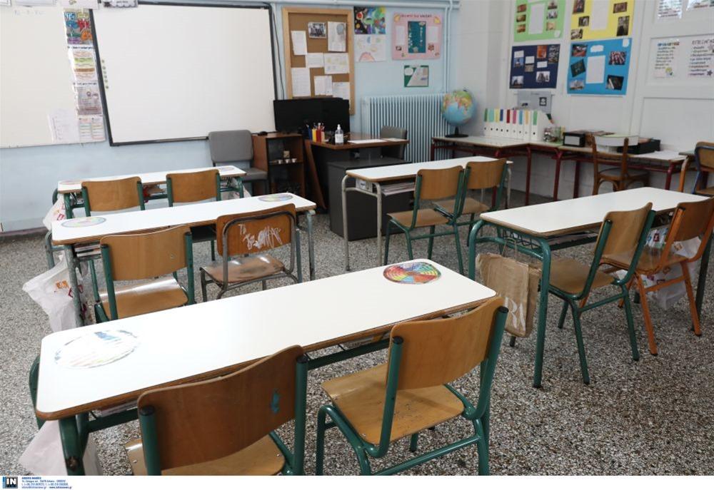 Κορωνοϊός: Ραγδαία αύξηση στα σχολεία – Ανησυχία στους ειδικούς (VIDEO)