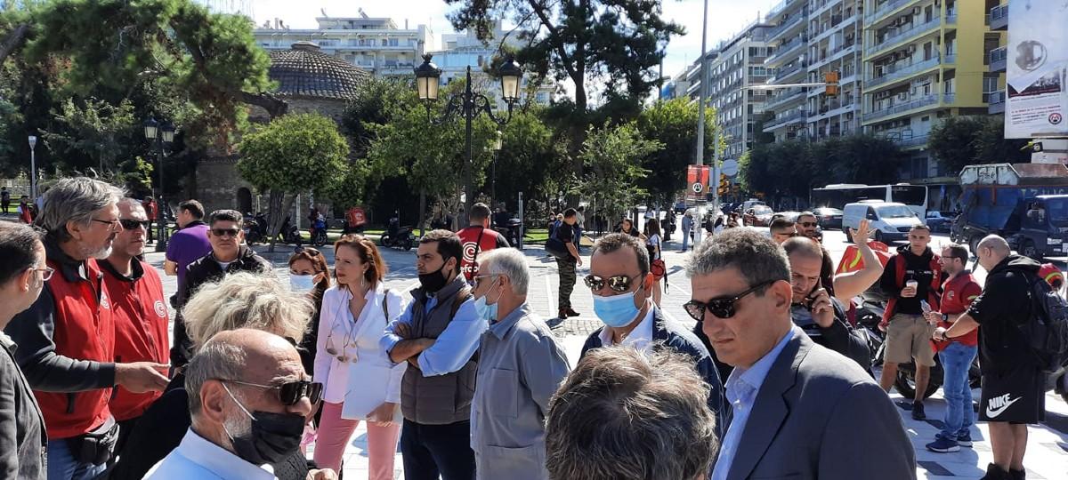 Συνάντηση αντιπροσωπείας του ΣΥΡΙΖΑ με απεργούς της e-food στην Θεσσαλονίκη