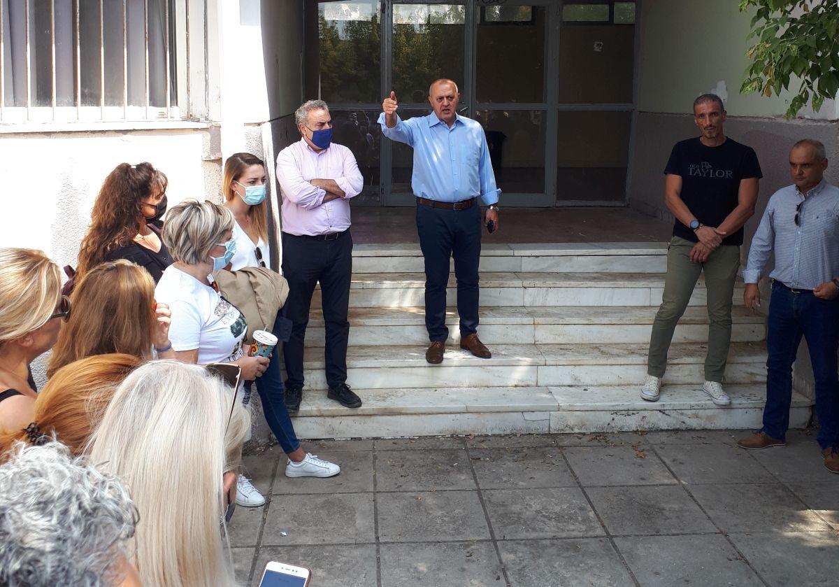 Δήμος Λαγκαδά: Ο Ταχματζίδης συναντήθηκε με τους γονείς του 1ου και 2ου Γυμνασίου