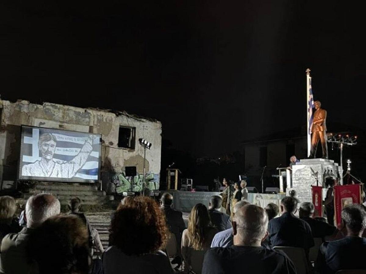 Θεσσαλονίκη: Λαμπρή τελετή αποκαλυπτηρίων αγάλματος Νίκου Καπετανίδη (ΦΩΤΟ)