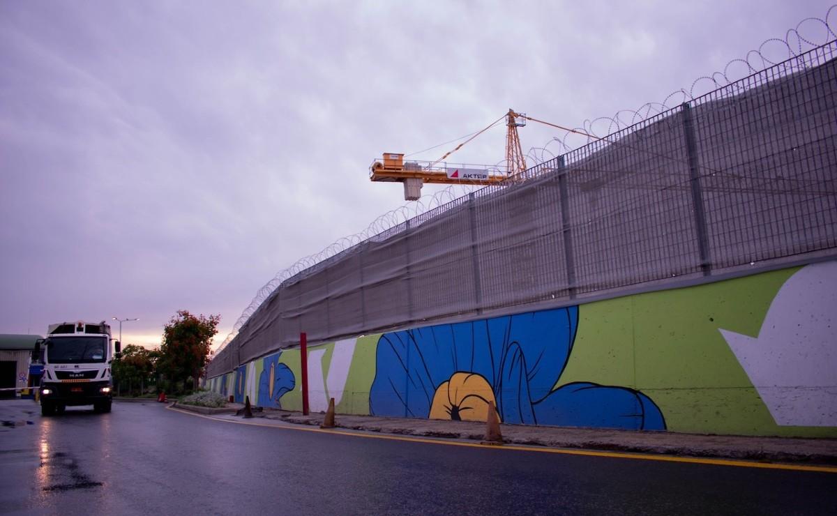 Δήμος Θεσσαλονίκης: Tοιχογραφία 170μέτρων στην περιοχή του Αλλατίνη