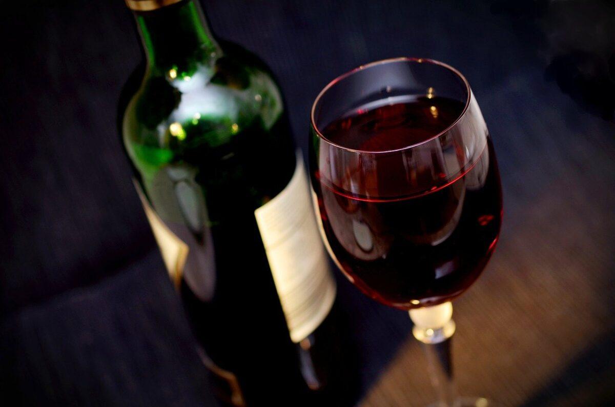 Παραγγέλνουν κρασί από την πρώτη υποθαλάσσια κάβα της Χαλκιδικής