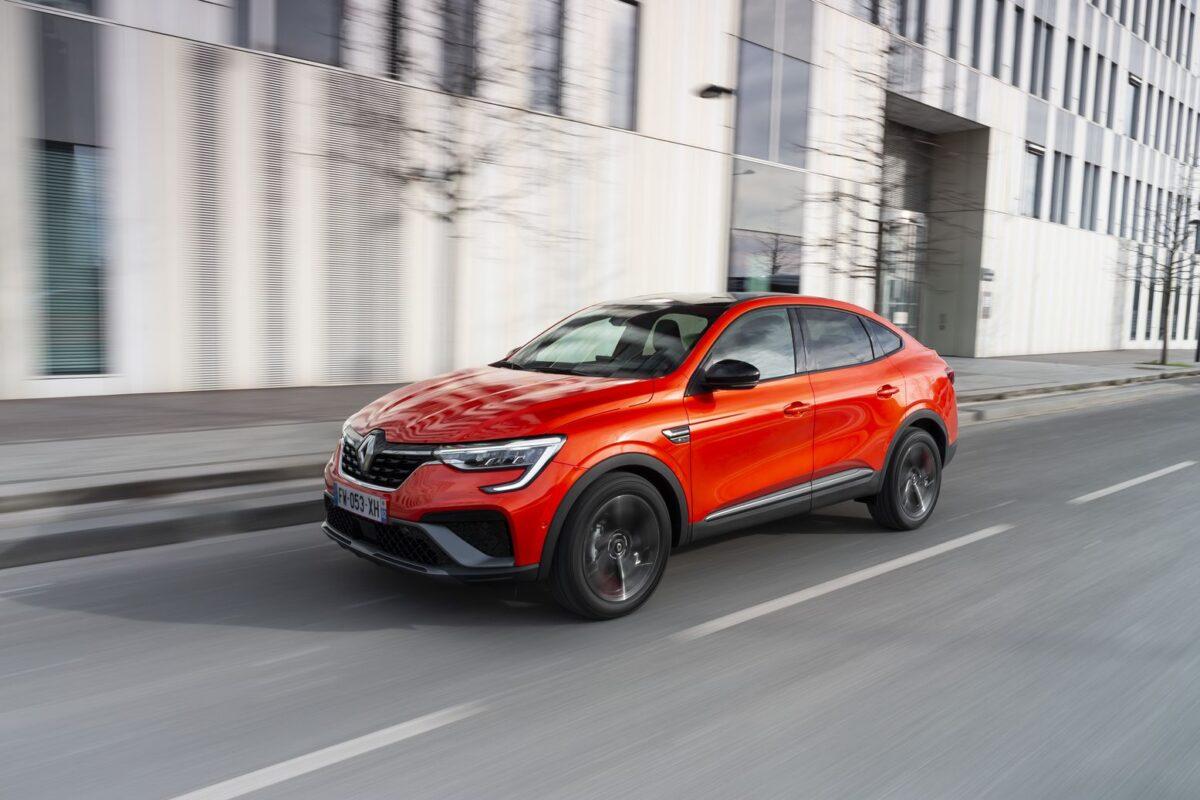 Νέο Renault ARKANA! Ευρύχωρο, σπορ, υβριδικό (ΦΩΤΟ)