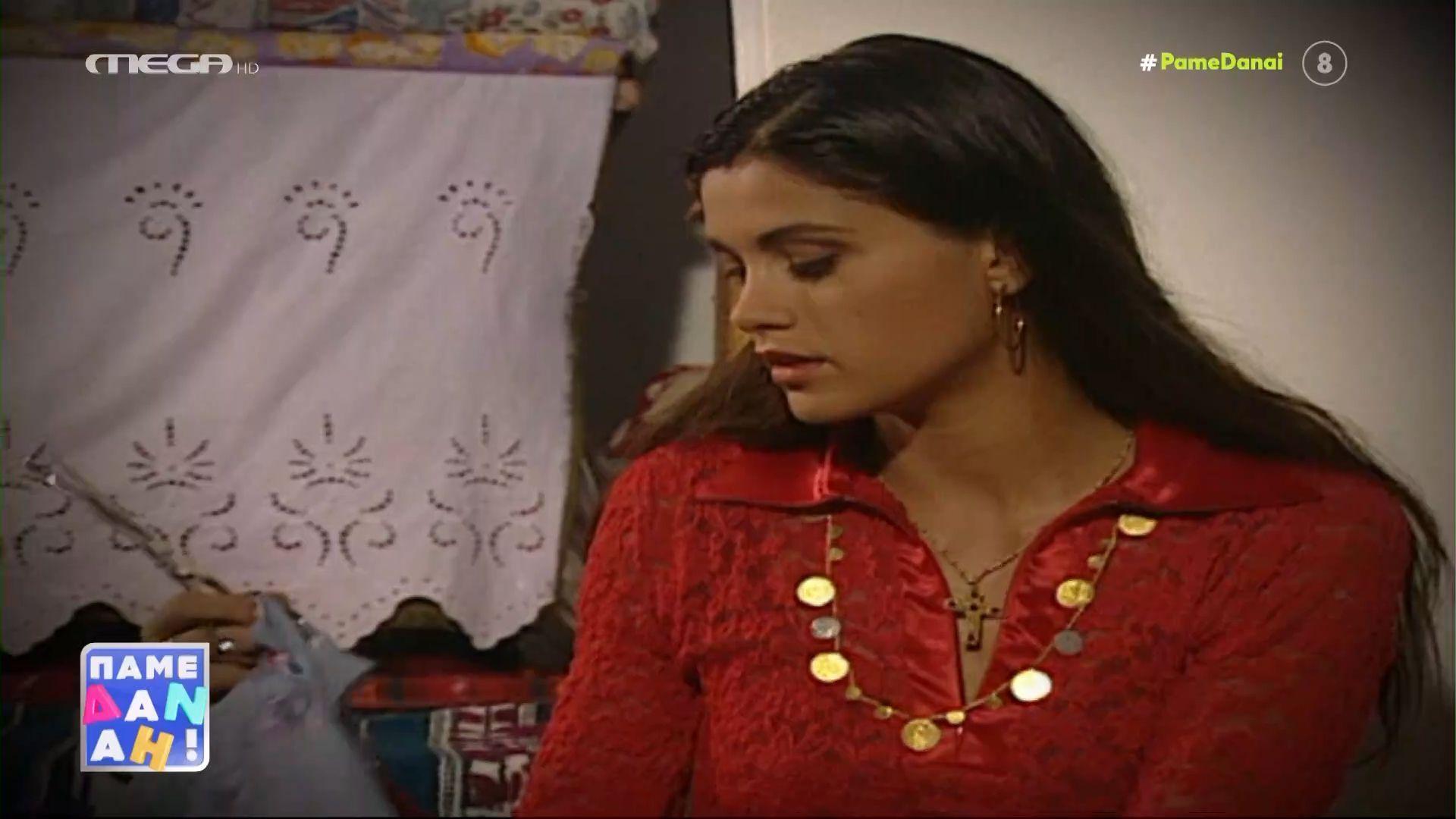 Η Άννα Μαρία Παπαχαραλάμπους διηγείται άγνωστες ιστορίες από τους «Ψίθυρους Καρδιάς» (VIDEO)