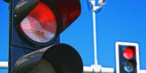 """""""Κοιτάμε Μπροστά"""": Συντονισμός φωτεινών σηματοδοτών Θεσσαλονίκης"""