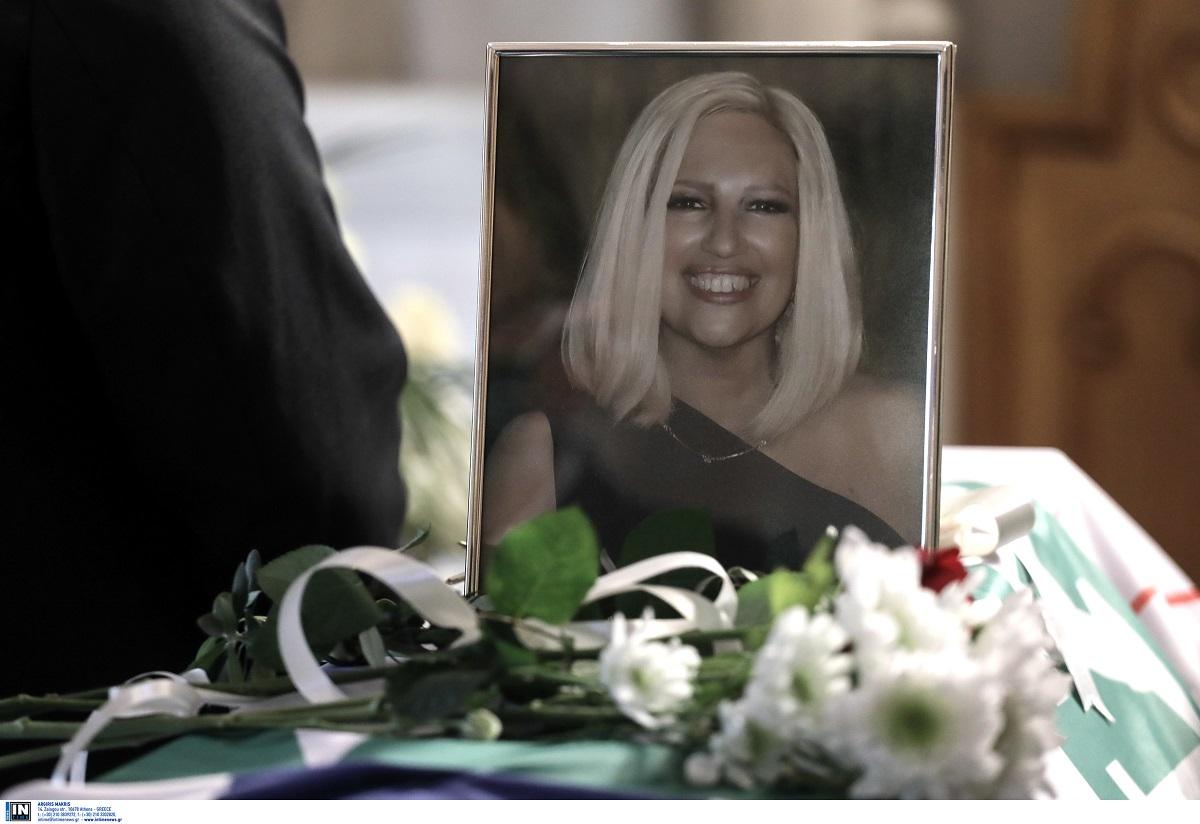 «Ράγισε» καρδιές 7χρονη στην κηδεία της Φ. Γεννηματά: «Μη φοβάσαι, θα είναι κοντά οι άγγελοι» (ΦΩΤΟ)
