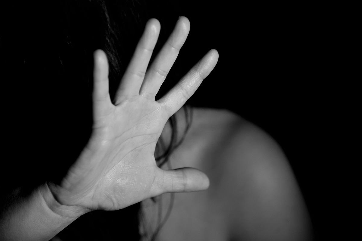 Άρτα: 20χρονη κατήγγειλε βιασμό από δύο φίλους του εραστή της