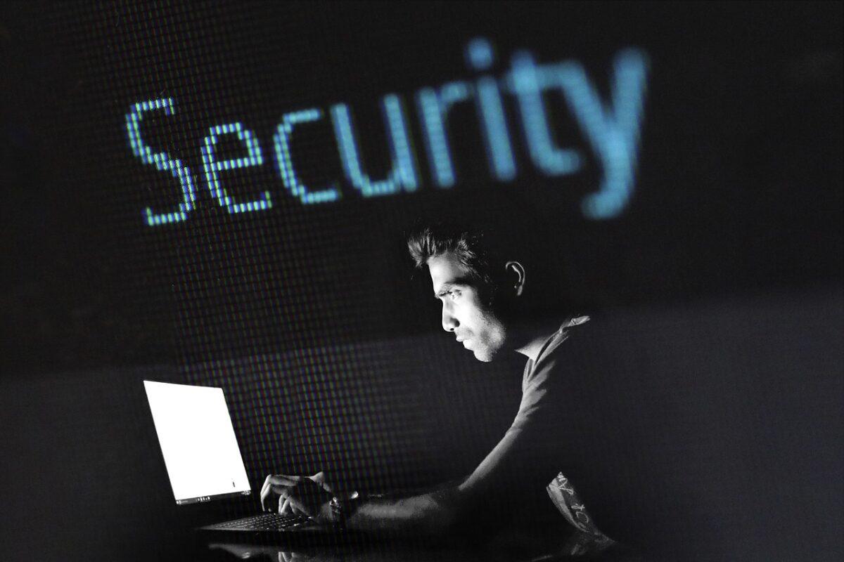 Ηλεκτρονικές απάτες: Aύξηση 200% τους τελευταίους εννέα μήνες