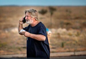 ΗΠΑ: Πιθανό το σενάριο της άσκησης δίωξης στον Άλεκ Μπόλντουιν